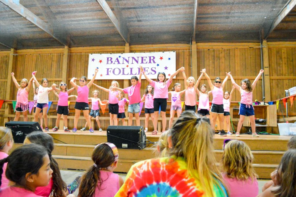 The Banner Follies performing