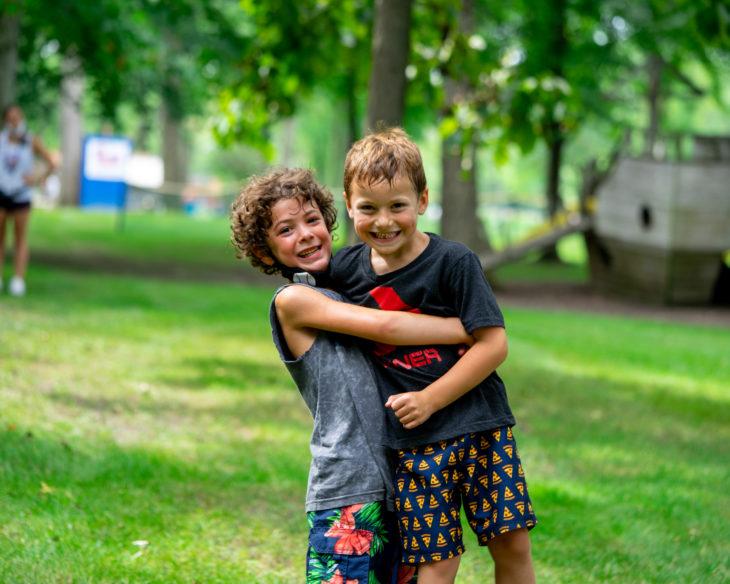 Make campers display friendship